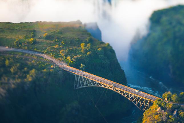 Мост над пропастью в Замбии