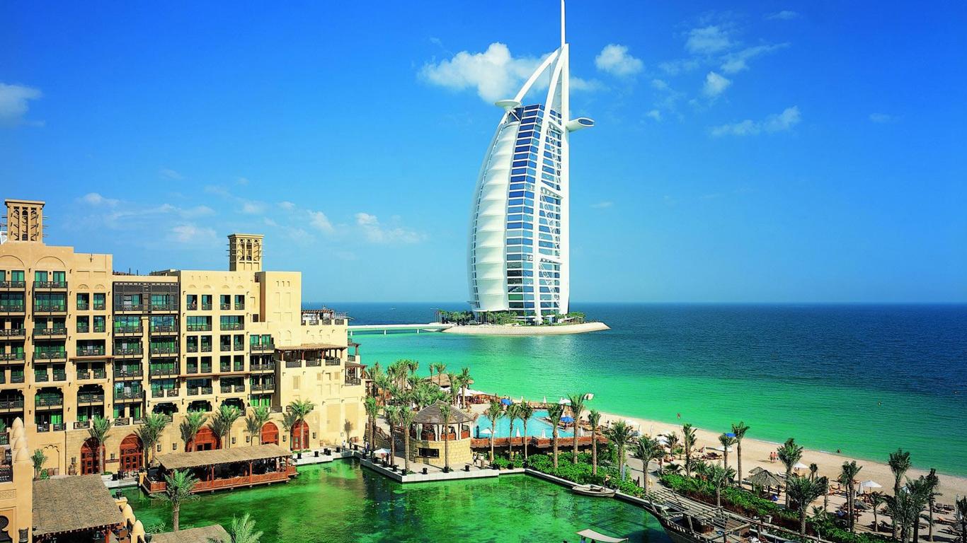 Объединенные Арабские Эмираты в феврале