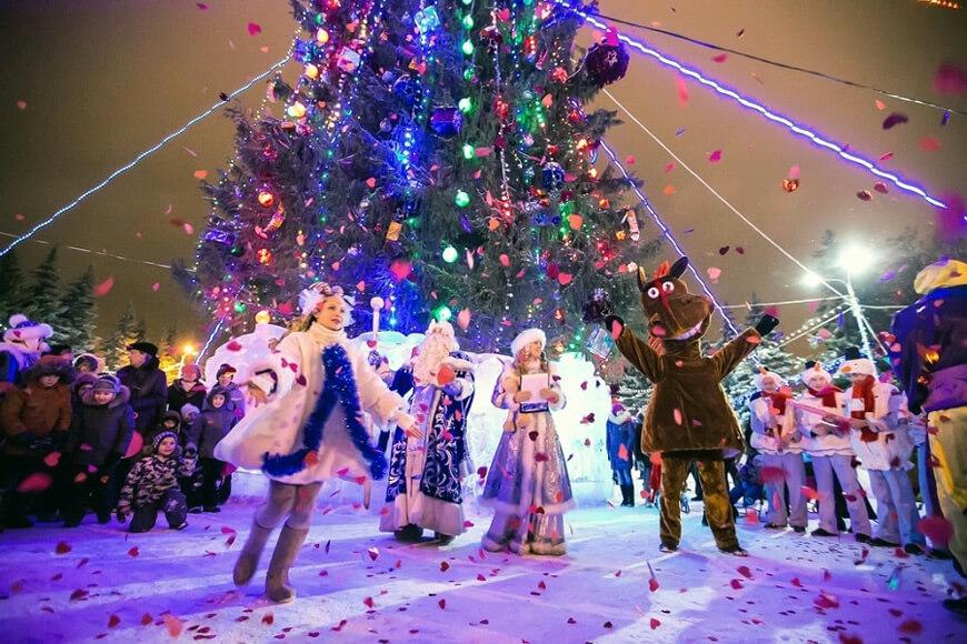Новогодний автобусный тур - Уфа новогодняя встречает гостей