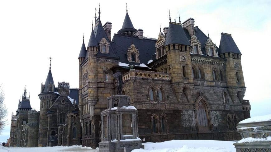 Автобусный тур «Новогодние Самара, музей Автоваза в Тольятти и замок Гарибальди»